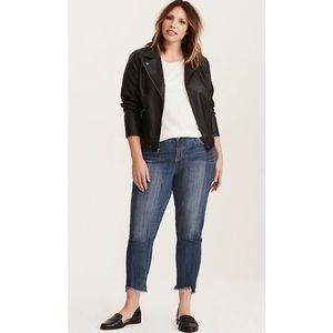 Torrid boyfriend frayed hem jeans - size 20